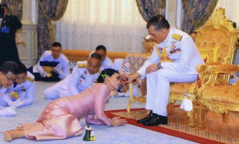 ۲ زن جنجالی تایلندی را بشناسید/ معشوقه مطرود و جاهطلب پادشاه کیست؟ / همه چیز درباره ملکه نظامی و مرموز تایلند