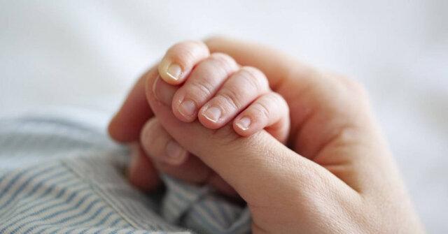 مادر کرونایی نوزاد سالم به دنیا آورد/پادتن کرونا در بدن نوزاد سرنخی برای تولید واکسن