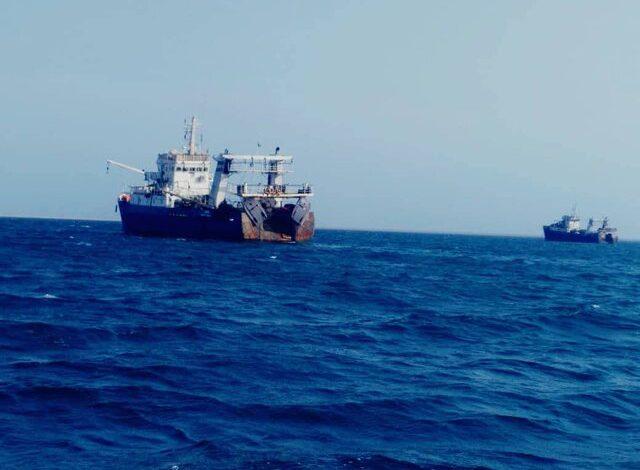 توقیف دو فروند کشتی صید صنعتی ترال توسط نیروی دریایی سپاه در چابهار