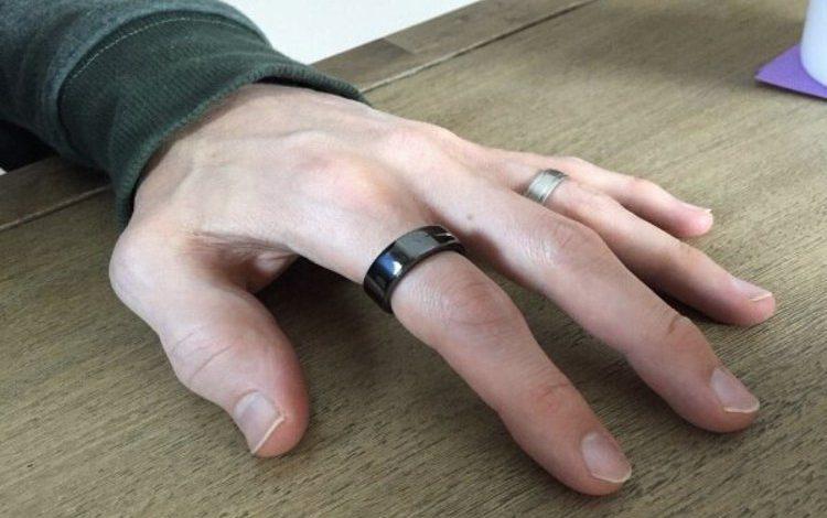 پیشبینی علائم کرونا با کمک یک حلقه هوشمند