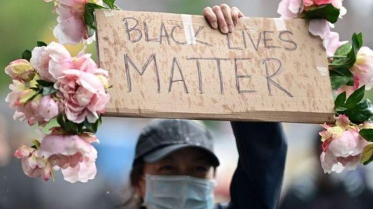 ۴ افسر در قتل سیاهپوست آمریکایی متهم شدند