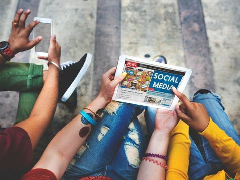 تاثیر شبکههای اجتماعی روی مغز افراد/ چرا عکس هایمان را به اشتراک میگذاریم؟